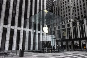 apple-analysts-glass-half-empty-or-overflowing-2