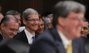 apple-ceo-tim-cook-explains-dodging-taxes-to-congress-2
