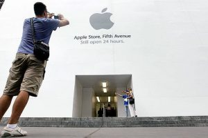 noted-bullish-apple-analyst-shaw-wu-canned-from-sterne-agee-2